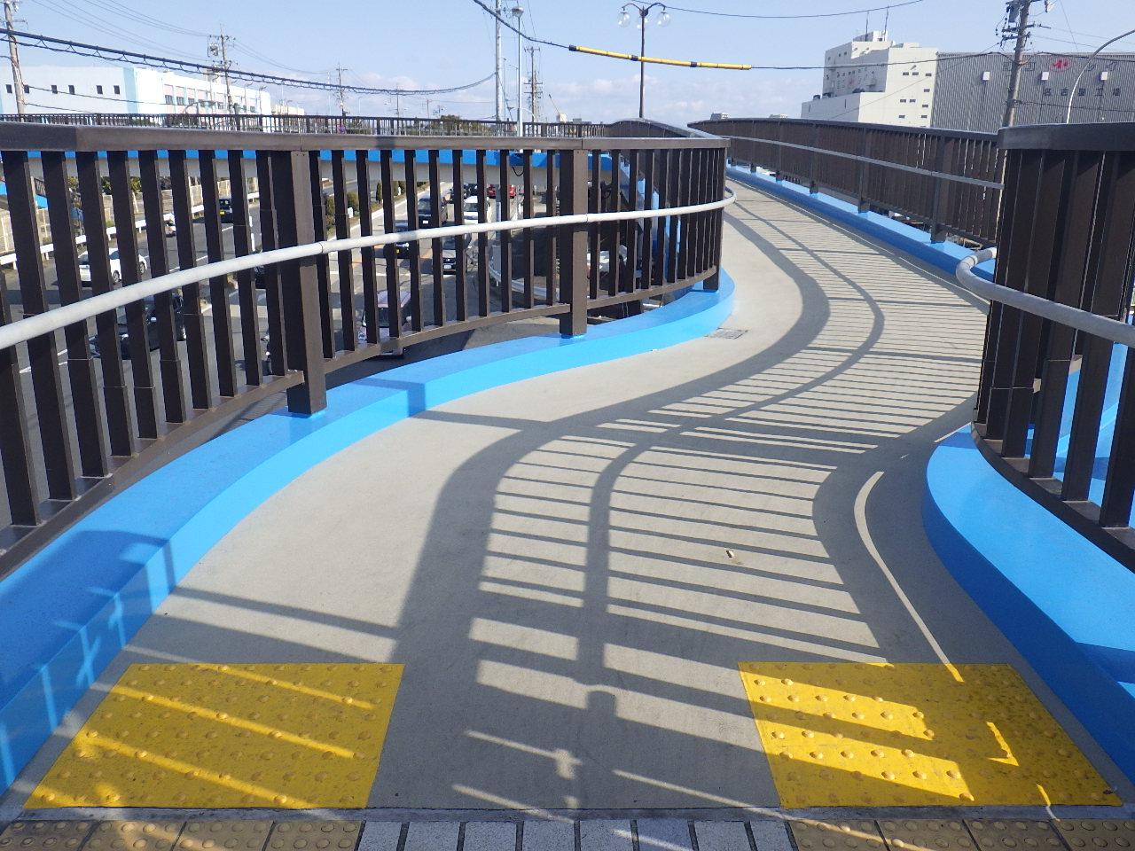 かもめ横断歩道橋塗装・修繕工事