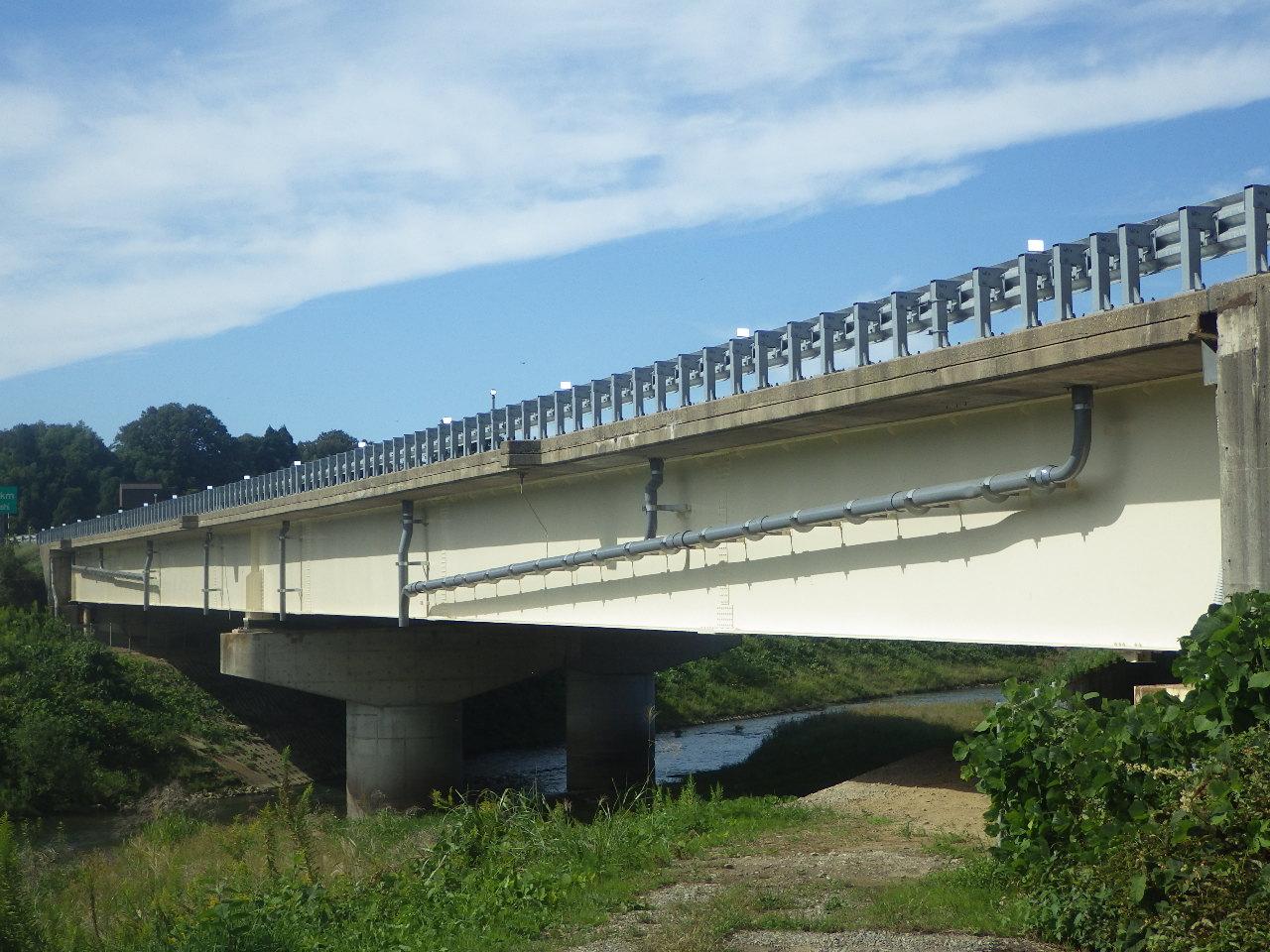 北陸自動車道 森本川橋塗替塗装工事