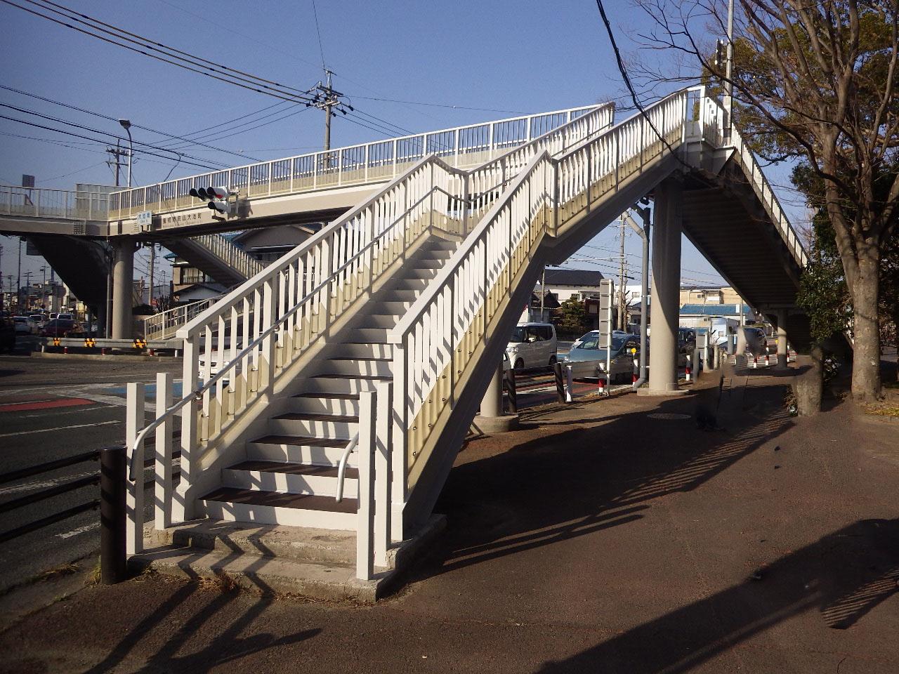 交通安全施設等整備事業(交付金) 横断歩道橋修繕工事